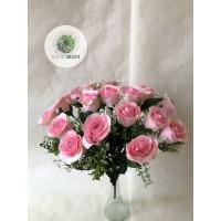 Rózsabimbó csokor x18