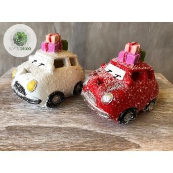 Autó ajándékdobozokkal
